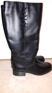 WOMENS LEATHER WINTER BOOTS SIZE 8