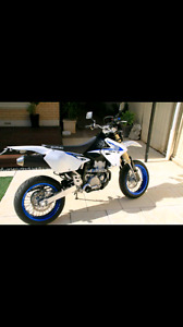 Looking for a drz 400 sm
