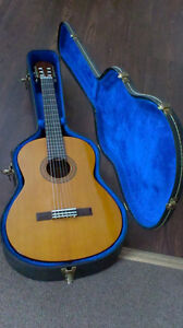 Collectible, Yamaha C40 - Classical Guitar with Hard Case