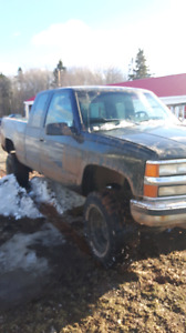 Chevy 1500 for sale 95 with 33inch tires