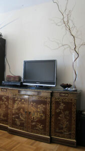 Oriental Exquisite Gold-painted Stereo / TV Cabinet