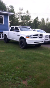 Lifted Dodge Ram 5.7 hemi open to trades