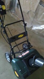 Yardworks Electric Snowthrower
