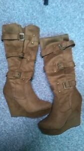 Womens boots, size 10, worn twice