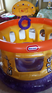Little Tikes Bouncy Ball Pit