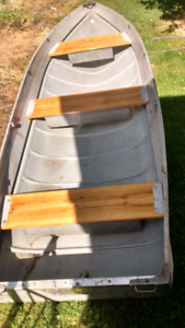Nice 14ft aluminum boat, motor and trailer