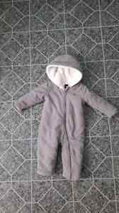 Gap Fleece snowsuit, 3-6 months  London Ontario image 1