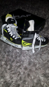 Graf G7035.  Junior size 12