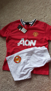 NWT England Manchester United soccer Shirt and shorts Size 5