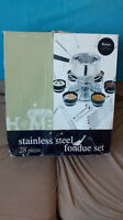 28 pc stainless steel fondue set new never used 15.00