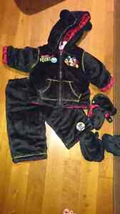 Two piece Mickey Mouse snowsuit size 6 to 12m