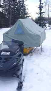 Ice fishing tent /snowmobile cuddy