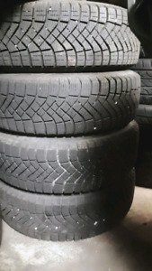 185/65R15 SET 4 BRAND NEW PIRELLI WINTER TIRES  ON TOYOTA 5 BOLT
