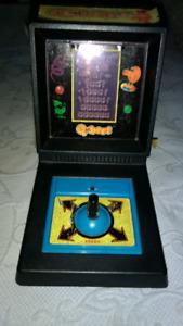 FOR SALE A VINTAGE HUBER'S TABLETOP ARCADE GAME 1983