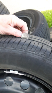 4 Ford summer tires with rims and sensors