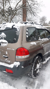 2006 santa fe 85, 000 km !! Very low kms. Good deal!!
