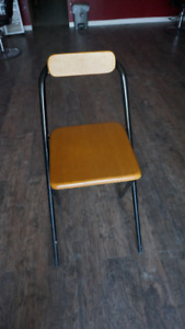 Wooden Fold-able Bar Stool