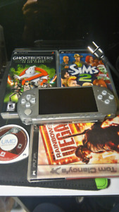 PSP 3000, 4 GAMES, MEMORY CARD, CHARGER