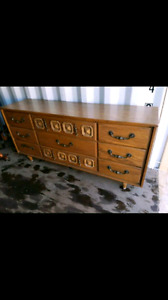 Solid wood 9 drawers dresser / console