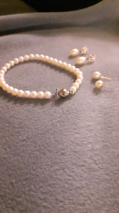 Real pearl bracelet and earings