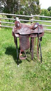 """15"""" Circle Y Roping Saddle"""
