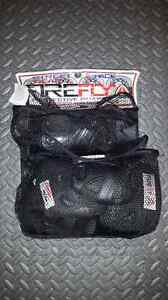Firefly wrist guards and knee pads (adult small)