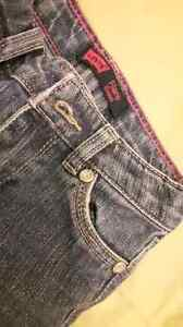 Levi's toddler size 3 sparkle jeans London Ontario image 2