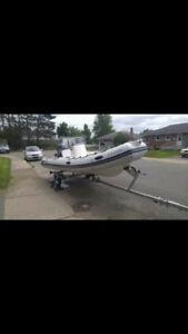 bateau pneumatique  a vendre