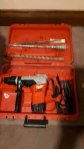 Very gently used.hammer drill.