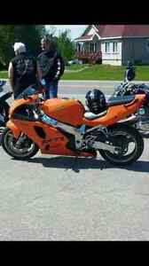zx7r 97 clean contre chaloupe