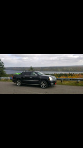 2007 Cadillac escalade EXT LOW KMS
