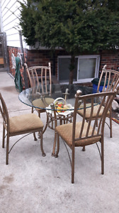 Bevelled Round Glass Table and 4 Chairs