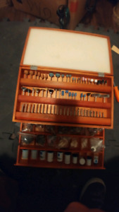 KING CANADA 500 PIECE ROTARY BIT TOOL BOX KIT WITH A ROTARY TOOL