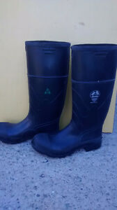 bata csa steel toe rubber boots Regina Regina Area image 1
