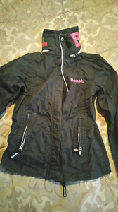 Bench spring jacket.. Young ladies Sz. S