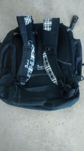 Back pack & Wilfrid Laurier 4 months planner (2 items) Kitchener / Waterloo Kitchener Area image 2