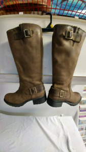 Women size 8 Timberland leather boots