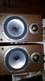 MONITOR AUDIO SPEAKERS BRONZE BR1 with wall brackets