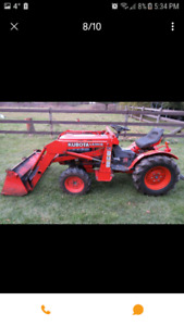 Kubota B7100 hst 4x4 with loader excellent condition