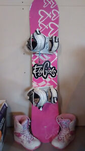 Snowboard kit for girl, EXCELLENT Condition!!!!