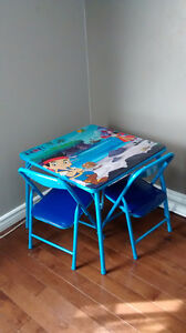 Like new* table with chairs