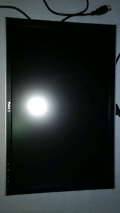 For sale like new 24 inch Dell lcd flatscreen  monitor