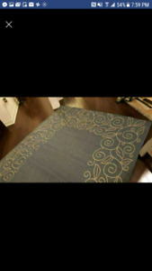 2 brand new area rugs(80$& 120$)
