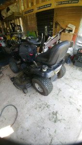 Lawn mower ride on tractor, tracteur a gazon
