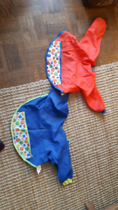 7 paint and craft bibs