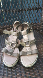 NEW Fossil Selena Wedge Heel Sandal 7.5 M Antique Gold