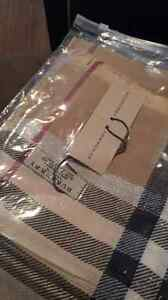 Burberry/foulard scarf scarves brand new \replica West Island Greater Montréal image 4