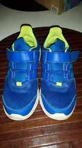 Boys Adidas Runners - size 13 Kitchener / Waterloo Kitchener Area image 1