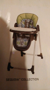 BRAND NEW!!! NEVER OPENED GRACO HIGH CHAIR!!!