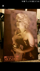Marilyn Monroe solid poster